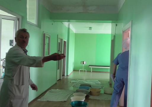 Червоноградську лікарню затопило